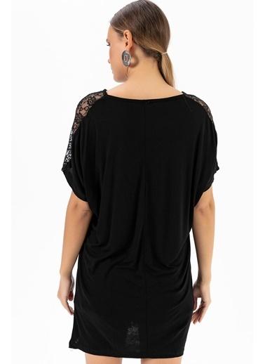 Emjey Kolları Dantel Şeritli T-Shirt Siyah